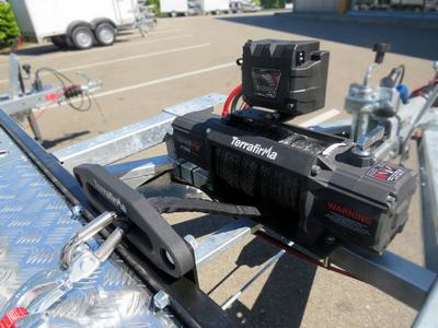 Elektrische lier 5000 kg met accu en liersteun