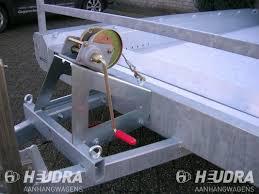 Handlier met steun machinetranporter