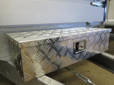 Aluminium disselkist tegen voorkant