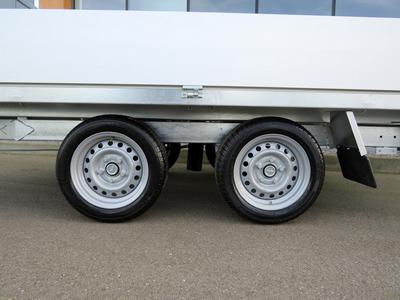 Verlaagd chassis op 195/50R13 wielen