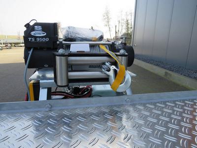 Elektrische lier 5000kg met liersteun en accu