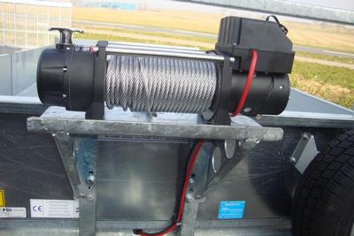 Elektrische lier 5000 kg  en liersteun ifor
