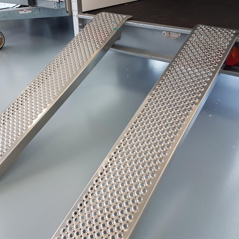 Oprijplaten aluminium  250x26cm 800kg